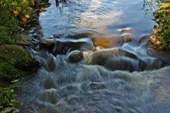 Córrego da água fotografia de stock