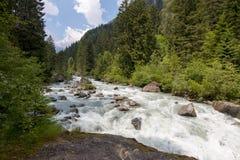 Córrego da água imagens de stock