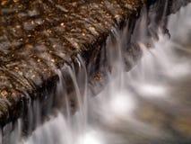 Córrego da montanha   Fotos de Stock Royalty Free