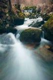 Córrego de conexão em cascata leitoso Fotografia de Stock