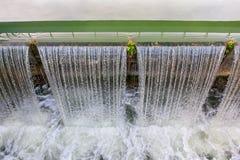 Córrego de queda da água Fotos de Stock