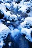Córrego do inverno   fotografia de stock