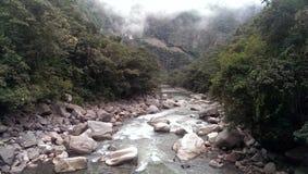 Córrego do rio da montanha Fotografia de Stock