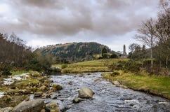 Córrego perto da torre redonda Imagem de Stock Royalty Free