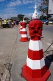 Cône du trafic de crâne chez Wat Ring Kung en Chiang Rai Image stock