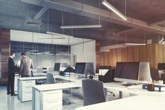 Côté de bureau de l'espace ouvert et de lieu de réunion, les gens Image libre de droits