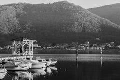Côté de lac dans Iseo photo libre de droits