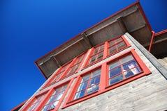 Côté de maison suédoise de montagne Photos libres de droits