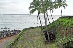 Côté de rivière de fort de Reis Magos dans Goa Image libre de droits