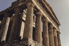 Côté du temple grec image stock