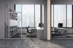 Côté gris et en bois de lobby de bureau de l'espace Photo libre de droits