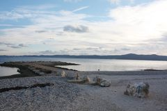 Côte avec le coucher du soleil en Dalmatie Adria Croatia photographie stock libre de droits