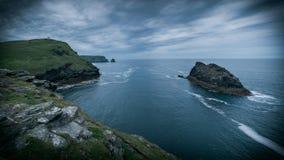 Côte cornouaillaise un jour déprimé nuageux les Cornouailles Grande-Bretagne photo stock