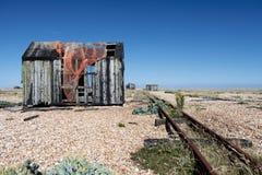 Côte de dungeness de ruine d'épave de hutte de pêche Images libres de droits