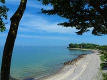 Côte de mer baltique avec la plage Images libres de droits