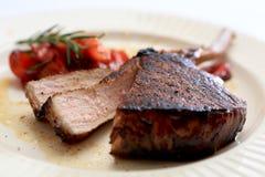 Côtelette de porc balsamique et par miel glacée. Photos libres de droits