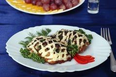 côtelette de poulet avec des champignons de couche image libre de droits