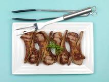 Côtelettes d'agneau cuites photo stock