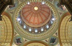 Cúpula de la reina de Maria de la catedral del mundo Imagen de archivo libre de regalías