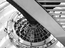 Cúpula de Reichstag dentro de la visión fotos de archivo
