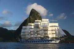 Cążki statek żegluje od St Lucia Obrazy Stock