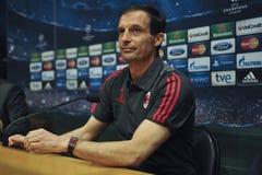 A.C. 米兰教练Massimiliano Allegri在新闻招待会在巴塞罗那 库存照片