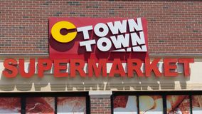 C镇超级市场在诺瓦克CT 免版税库存照片