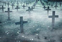 C'è abbondanza delle pietre tombali nel cimitero Fotografie Stock