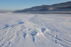 33c 1月横向俄国温度ural冬天 清楚的冷淡的天,自然 库存图片