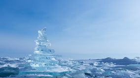 33c 1月横向俄国温度ural冬天 透明的冰大块 贝加尔湖清楚的冰金字塔  影视素材