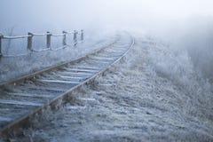 33c 1月横向俄国温度ural冬天 铁路在一个冷淡的早晨 库存照片