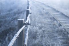 33c 1月横向俄国温度ural冬天 铁路在一个冷淡的早晨 免版税库存图片