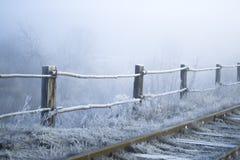 33c 1月横向俄国温度ural冬天 铁路在一个冷淡的早晨 免版税库存照片