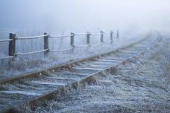 33c 1月横向俄国温度ural冬天 铁路在一个冷淡的早晨 图库摄影