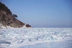 33c 1月横向俄国温度ural冬天 Baikal湖冰漂泊  免版税库存图片