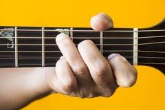 C在吉他的少校弦 免版税库存图片