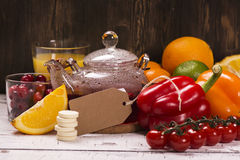 自然维生素C的食物和饮料富有 免版税库存照片
