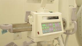 C-brazo de la radiografía en la cirugía metrajes