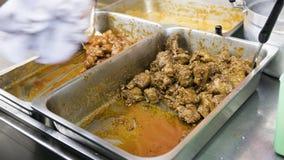 C'est porc épicé thaïlandais sur le style de nourriture de rue sur la route de Chinatown Yaowarat Photographie stock
