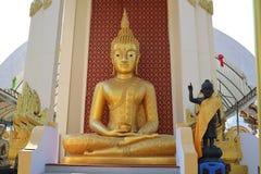 C'est une belle image d'or de Bouddha, foi dans le bouddhisme image stock