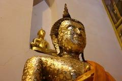 C'est une belle image d'or de Bouddha, foi dans le bouddhisme photographie stock