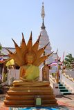 C'est une belle image d'or de Bouddha, foi dans le bouddhisme photo stock