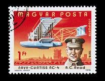 A C.A. leu o selo de correio Imagem de Stock Royalty Free