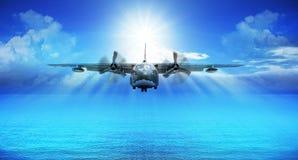 C123 military plane landing Royalty Free Stock Photos
