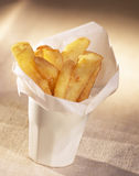 Cône des pommes frites Photos libres de droits