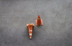 Cône sur l'asphalte Photographie stock