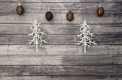 Cônes d'arbre et de pin de Noël blanc Photos libres de droits