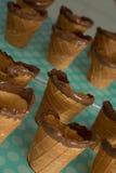 Cônes de gaufre avec la sucrerie Images stock