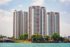 Côté Chao Phraya River de rivière d'appartement Photos stock