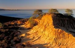 Côte cassée au lever de soleil, horizontal Images stock